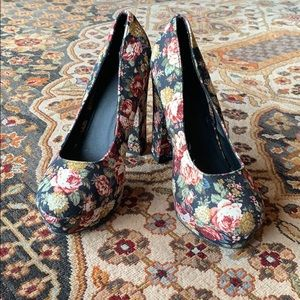 Forever 21 canvas floral heels
